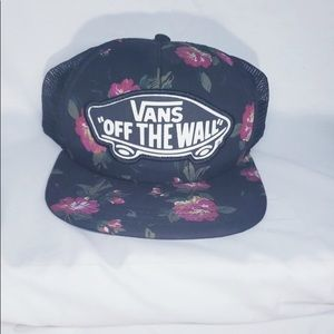 "VANS ""Off The Wall"" Floral Mesh Snap Back Trucker"
